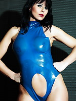 Desyra Noir wearing her favorite blue latex outfit